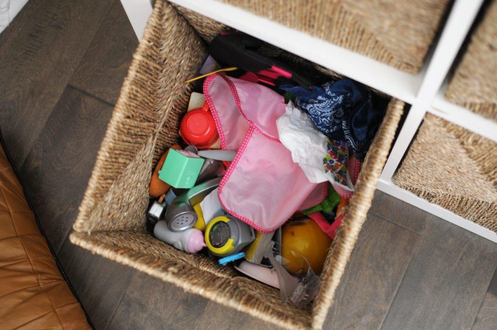 hide clutter