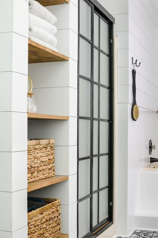 Simple ways to refresh a guest bathroom for guests including a deep clean.