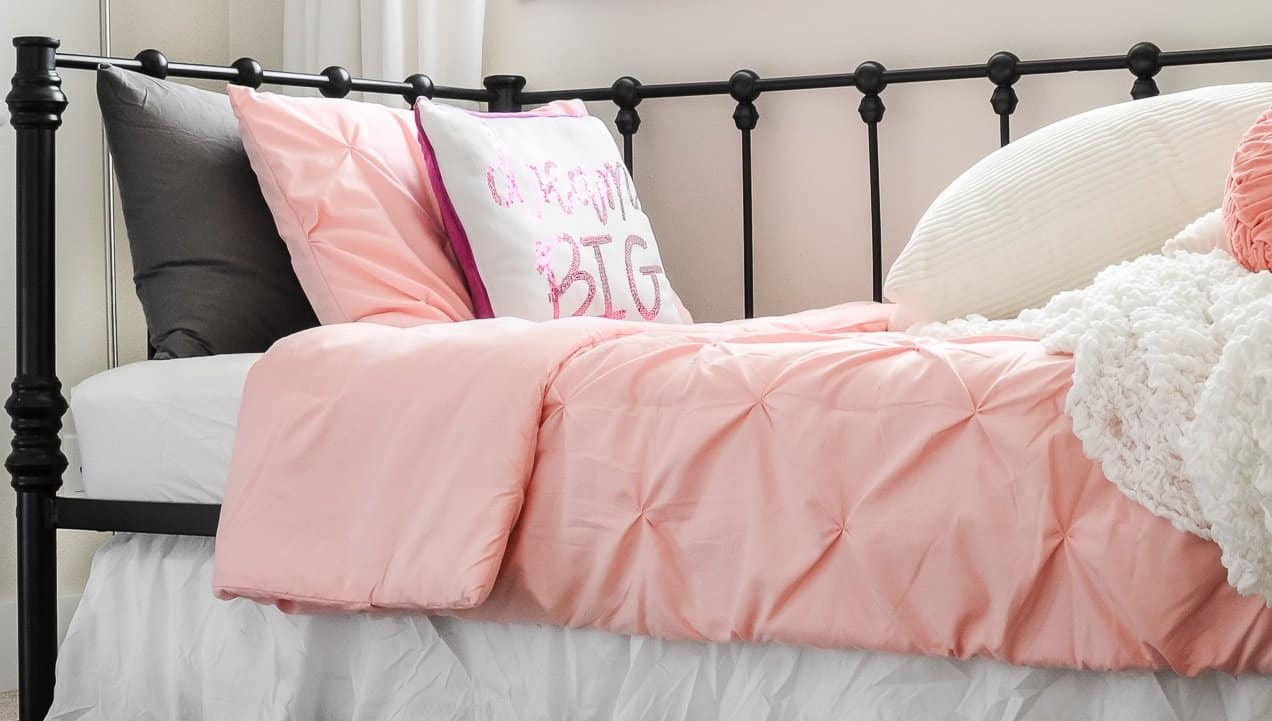 15 Easy Toddler Girl Bedroom Ideas On A Budget Joyful Derivatives