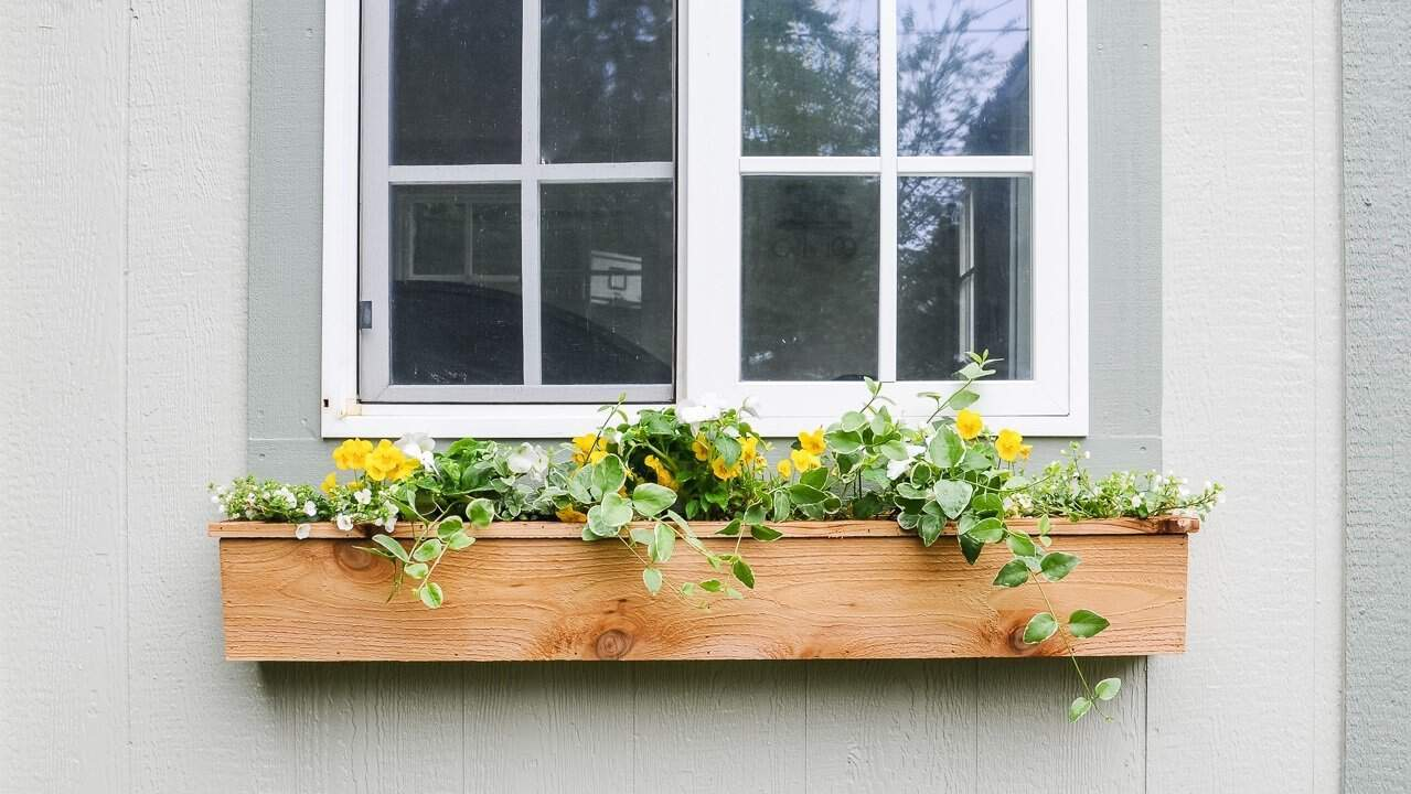 Easy 15 Fixer Upper Style Diy Cedar Window Boxes Joyful