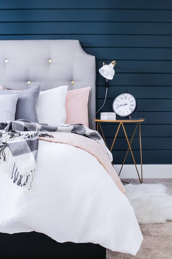 22 Genius Small Bedroom Decorating Ideas on a Budget ...