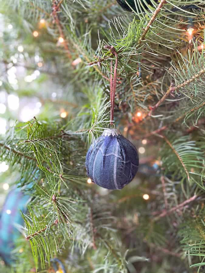 DIY Plaid Ornament
